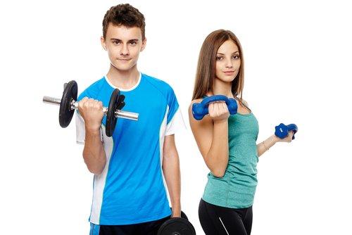 Dra. Silvana Vertematti responde: meu filho de 15 anos pode fazer musculação?